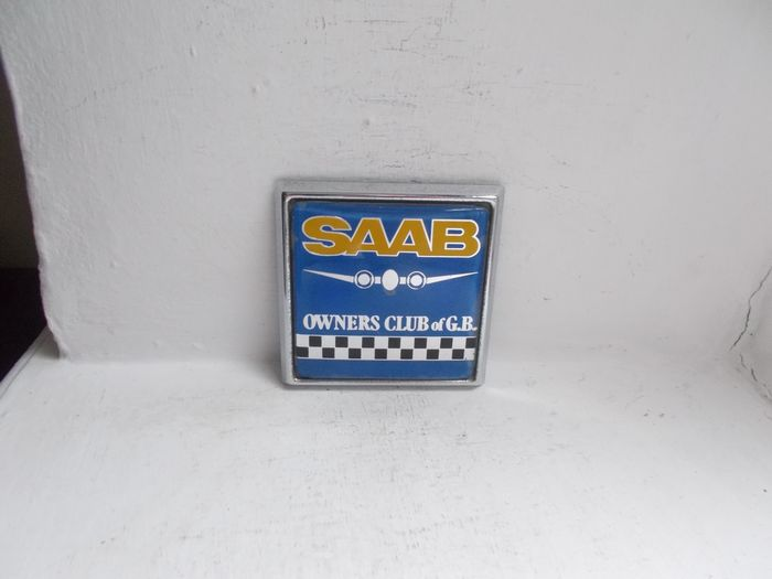 Badge - Vintage SAAB Owners Club of GB chrome grille badge with fixing bolt 1970
