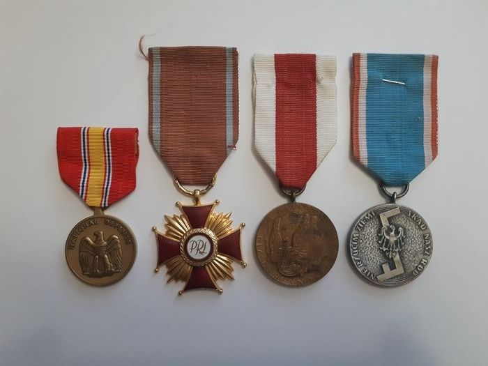 USA-POLAND - Army/Infantry - Award, Badge, Medal, Four medals from USA and Poland.