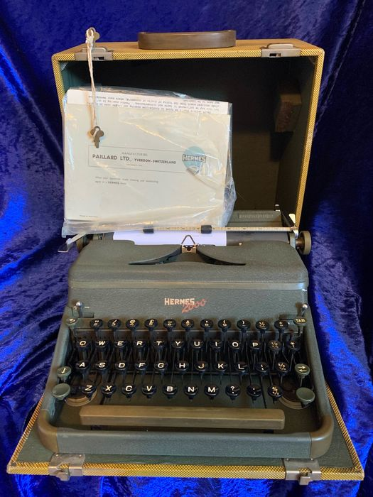 Hermes 2000 - Portable typewriter including carry case and accesories, 1960s - metal