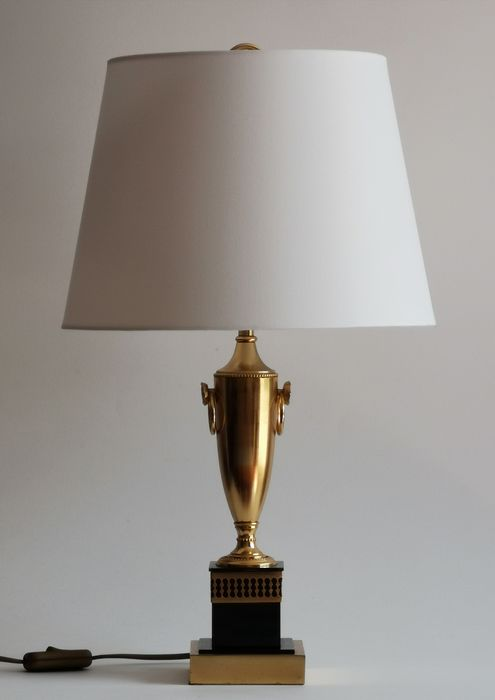 Boulanger - Table lamp, Hollywood Regency Style vase shaped with lion heads