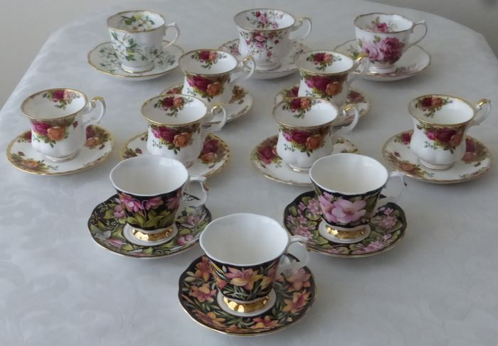 Royal Albert - 12 Cups and Saucers - big and small - Porcelain