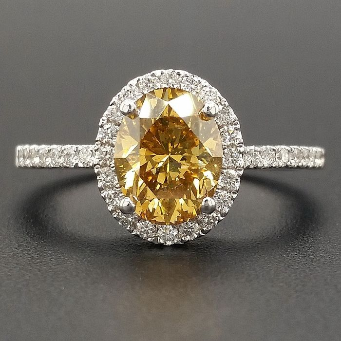 1.85ct Natural Fancy Vivid Yellow Orange, Diamonds - 14 kt. White gold - Ring - ***No Reserve Price***