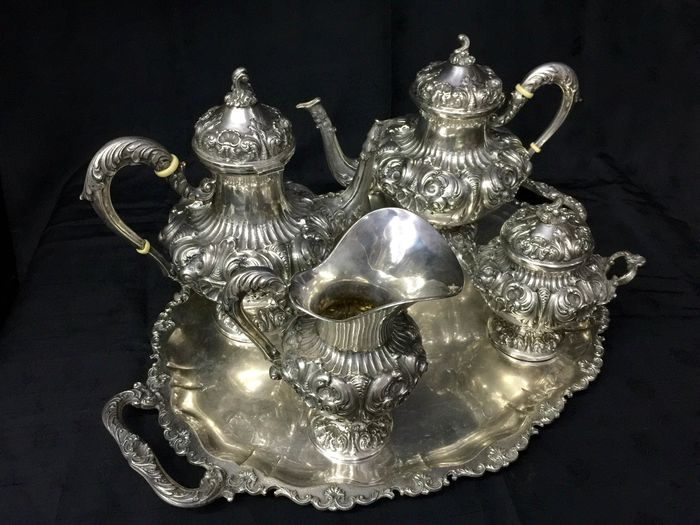 Coffee and tea service (5) - .800 silver - Italy - First half 20th century