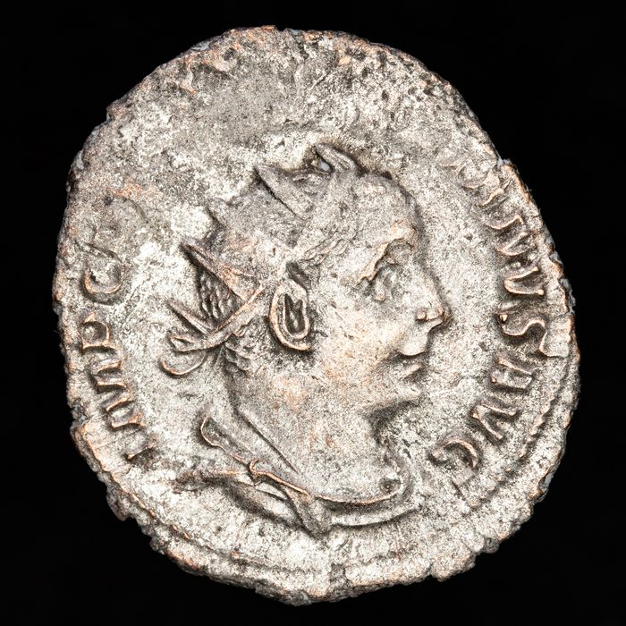 Roman Empire - Antoninianus - Valerian I (253-260 A.D.) VICTORIA AVGG, Victory standing left, holding wreath and palm. - Silver