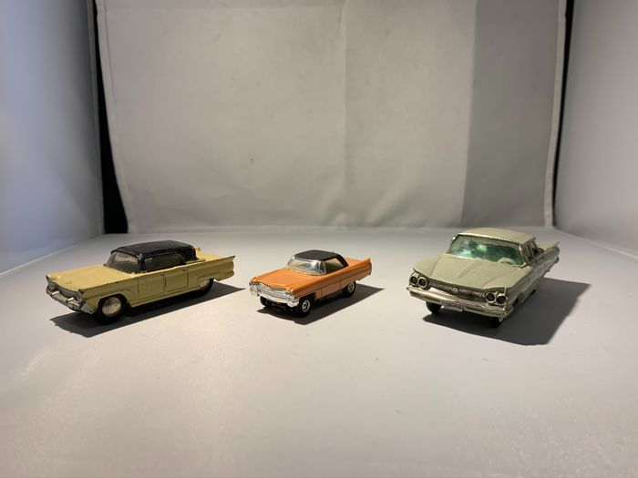 No Brands - 1:43 - 3 models - special light feature