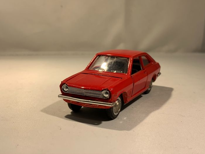 Yonezawa Toys - 1:43 - Sunny Coupe - Made in Japan