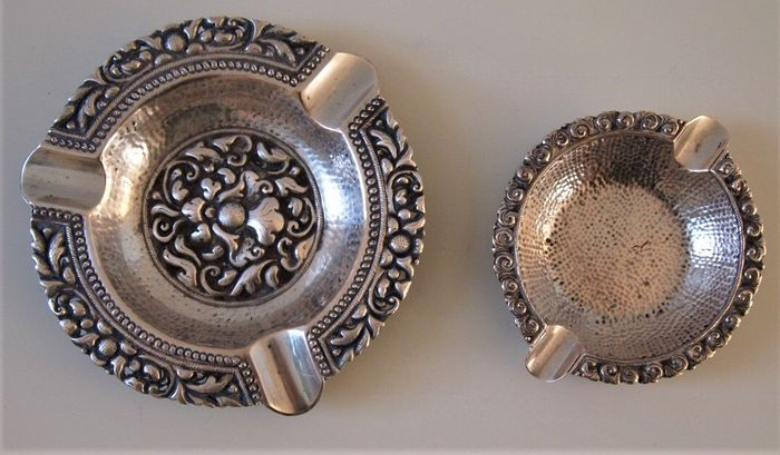 Antique hand hammered silver ashtrays - 2