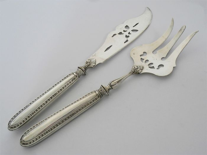 Fish serving set, Fish serving cutlery with silver handle - .950 silver - Alphonse Debain - France - Late 19th century