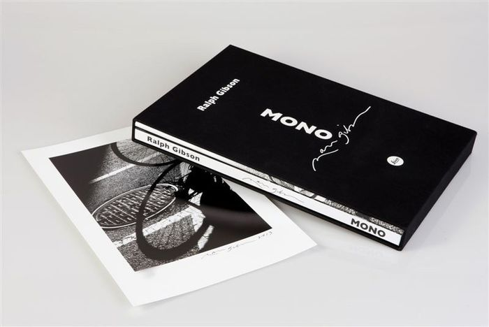 Signed; Ralph Gibson - Mono [Deluxe edition with original print] - 2013