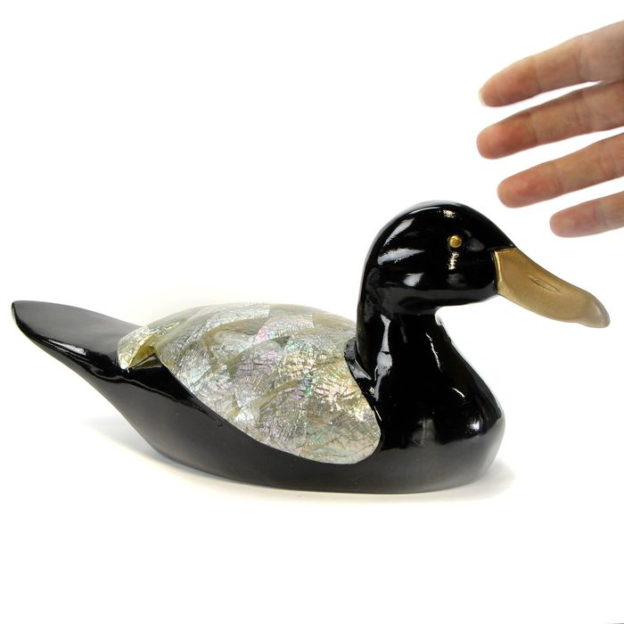 Carved Mother of Pearl Black Duck, New1 - 300×130×95 mm - 395 g