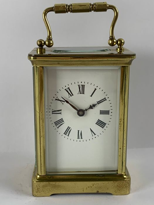 Travel alarm clock with going work and Roman numerals - Brass - 19th century
