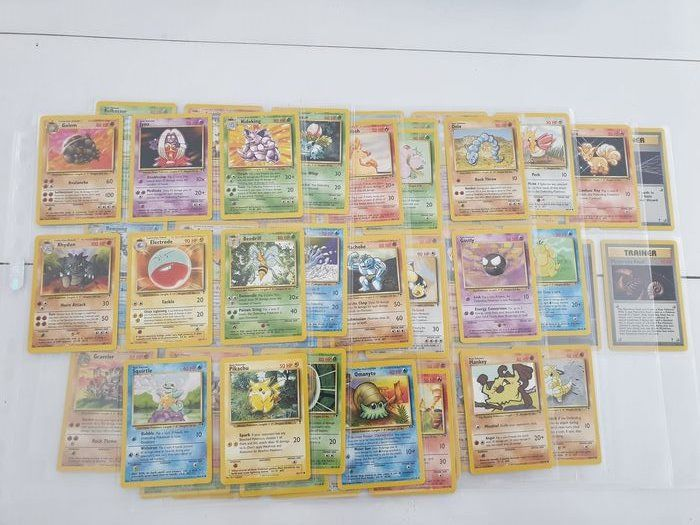 pokemon - Trading card Legendary collection cards
