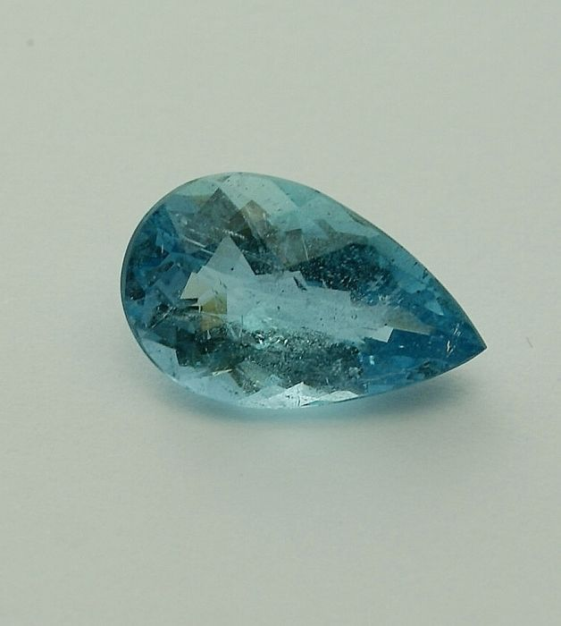 intense blue Aquamarine - 7.53 ct