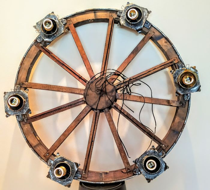 Old carriage wheel converted into a lamp - Iron (cast/wrought), Wood