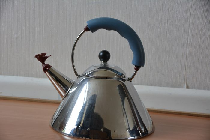 Michael Graves - Alessi - Kettle - 9093