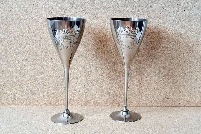 Two silver plated Kidush chalices - Silverplate - Israel - Mid 20th century