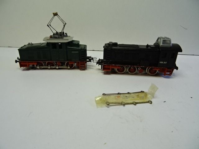 Trix Express H0 - Electric locomotive - small electric locomotive and 1 x V36 257 - DB