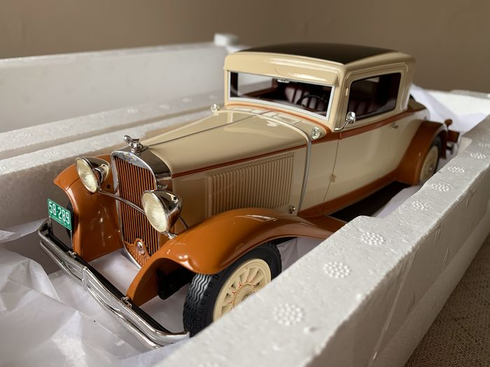 BoS-Models - 1:18 - Dodge Eight DG Coupe (1931) - Non. BOS289