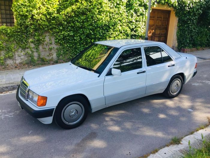Mercedes-Benz - 190 E 1.8 (W201) with 29.000 real km - 1993