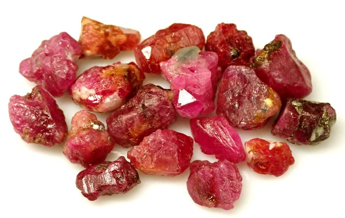 Lot Natural Ruby Crystals, Untreated / Unheated 110ct - 22 g