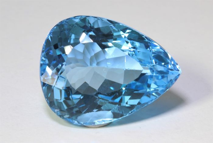 No Reserve Price - Topaz - 33.46 ct