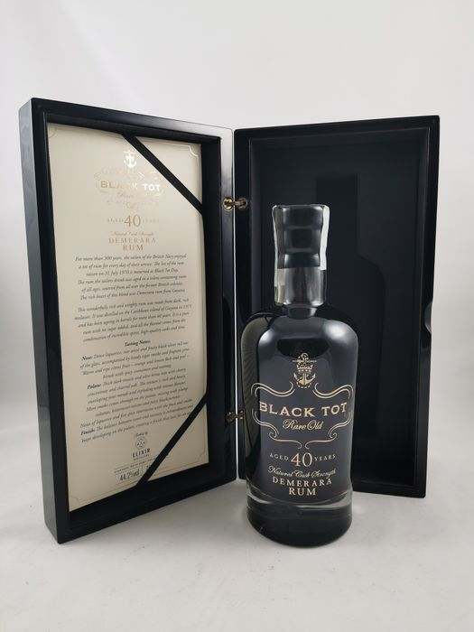 Black Tot 1975 40 years old Speciality Drinks - Rare Old - 70 cl