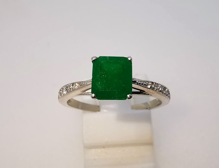 18 kt. White gold - Ring - 1.23 ct Emerald - Diamonds