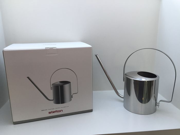 Peter Holmblad - Stelton - iconic stainless steel flower watering can, anniversary model in unused mint condition, original - Classic line