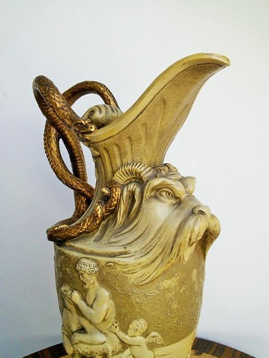 Large Pitcher with Ramshead , Snake handles and Maenads with Fauns - Neoklassieke stijl