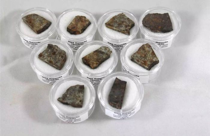 10 Sliced Collection Meteorites in Display Boxes Stony-Iron Meteorite - 40 g