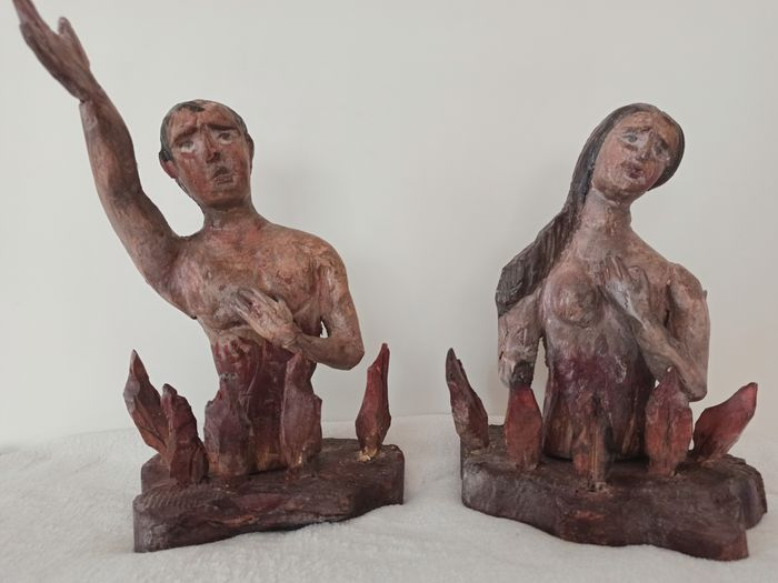 Pair of wooden / damned sculptures (2) - Wood - 18th century