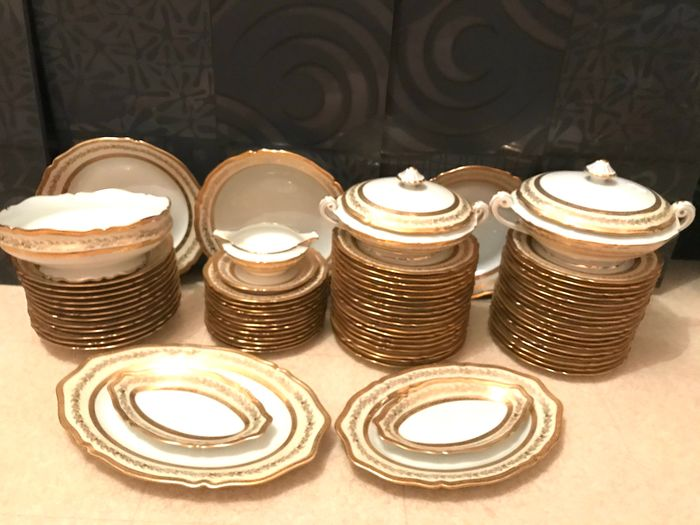Beautiful table service with double 24 k gold piping (71) - Art Deco