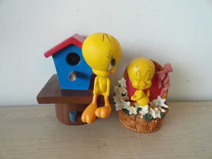 Looney Tunes - Lot of 2 - Tweety Bird statues / Coin Banks ( 17 x 12 cm)