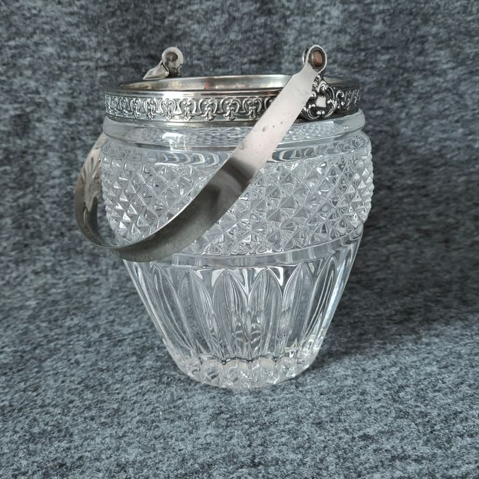 Heavy decorative carved Alpacca Ice Bucket Glass with silver plated frame - 1184 gr - Crystal, Glass, Silverplate