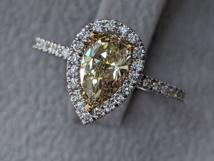 VS1 Natural Fancy Yellow Engagement Ring - 14 kt. White gold - Ring - 1.30 ct Diamond - Diamonds
