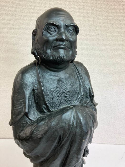 "Okimono - Bronze - Hozan - 達磨(Daruma)with signed Hozan""芳山"" - Japan - Frühe Showa-Zeit (1930)"