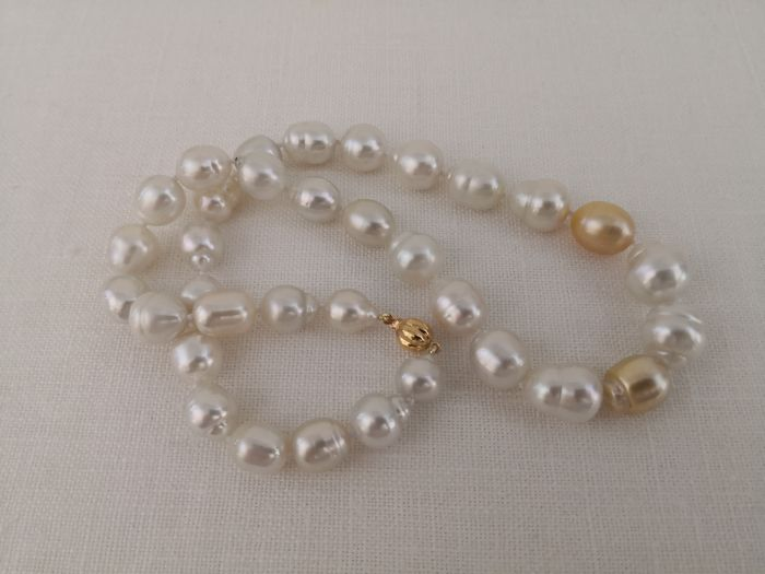 18 kt. South sea pearls, 10-15 mm Natural Colors - Necklace