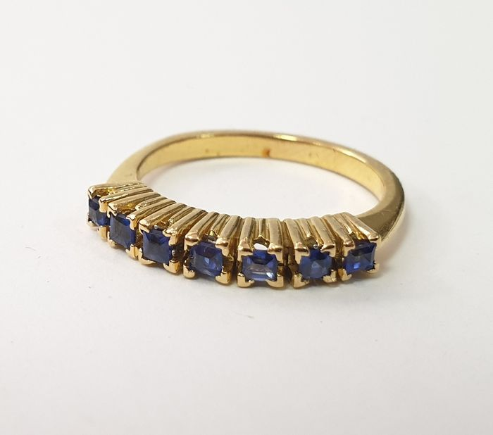 19,2 kt. Gold - Ring - 0.40 ct Sapphire