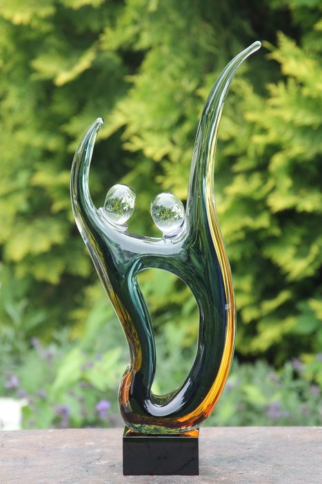 Decorative house or garden statue of 2 artful people 44 centimeters - Glass