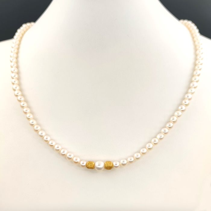 18 kt. Freshwater pearls, Yellow gold, Dimensions 4.5-5.00 mm - Necklace