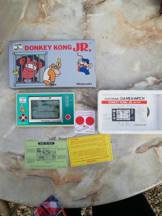 1 Nintendo Donkey Kong JR. Game and Watch boxed - Console - In original box