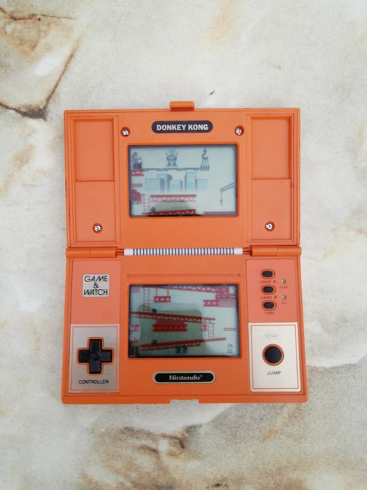 1 Nintendo Game and Watch Donkey Kong DK-52 - Console - Without original box