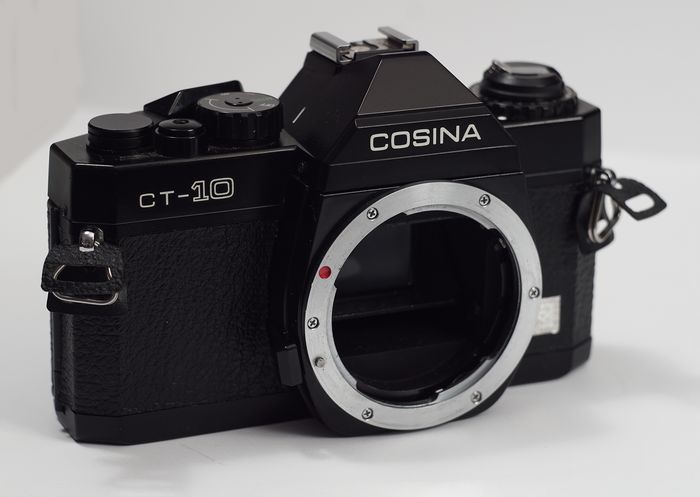 Cosina CT 10 - Year 1980 - 4 to 1000 sec + B - Automatic