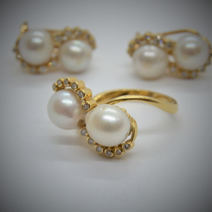 18 kt. Yellow gold - Earrings, Ring, Set - 0.36 ct Diamond - Pearls