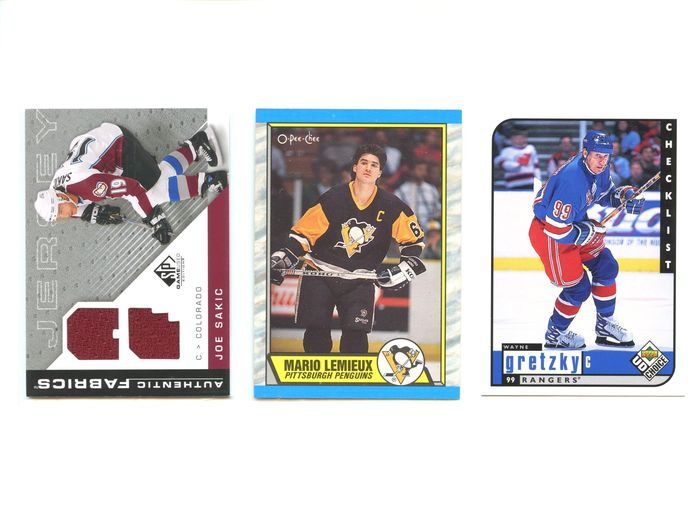 Ice Hockey - Gretzky - Sakic - Lemieux and 1992 Draft Pick Classic collection cards - 75 Sports cards