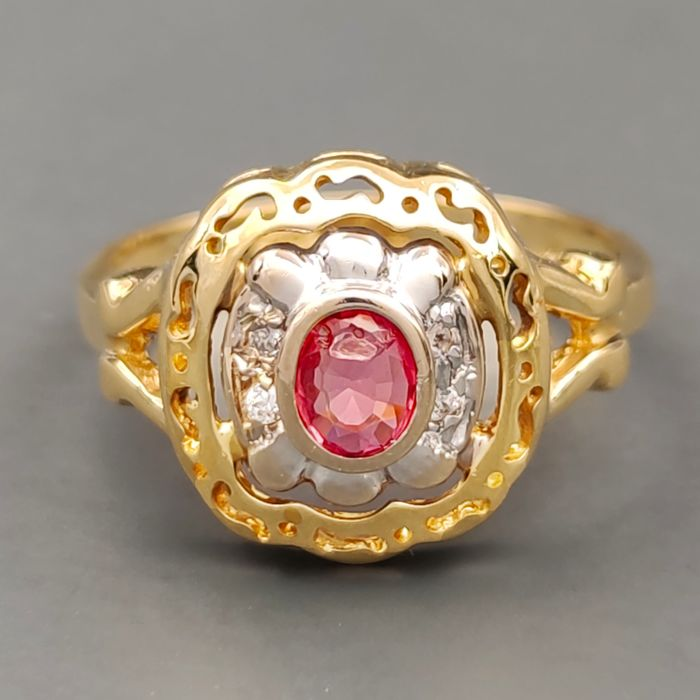 18 kt. White gold, Yellow gold - Ring - 0.35 ct Ruby - Ct 0.06 Diamonds