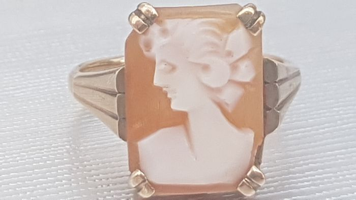 Vintage: Carved Shell Cameo Ring- Very Old –Excellent Condition - 9ct 375 Yellow gold - Ring Cameo