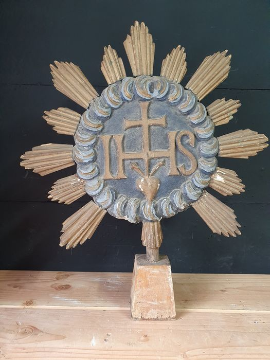 Very large wood carving altarpiece IHS monogram - Wood - Early 19th century