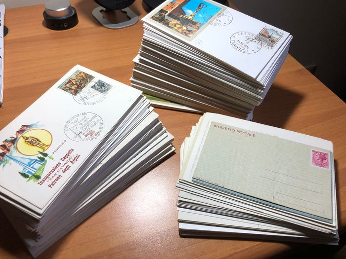 Italien - Republic - 150 FDCs Filagrano and 100 of various companies - postcards and postal cards (total: 310 pieces)
