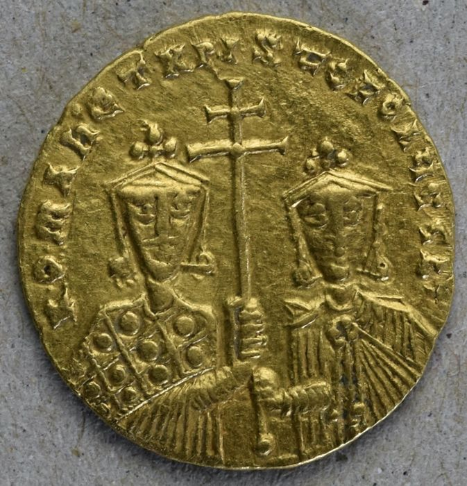 Byzantinisches Reich - AV Solidus, Constantine VII Porphyrogenitus with Romanus I and Christopher. Constantinople. Struck AD 924-931 - Gold